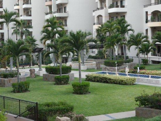 Villa La Estancia: hotel grounds