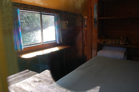 Paddler's Inn : One of the Enchanting Float House Suites