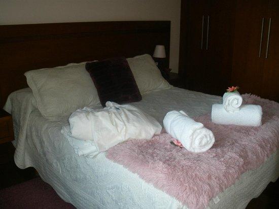 Apartments Casa de la Inmaculada: a lovely bedroom greets you