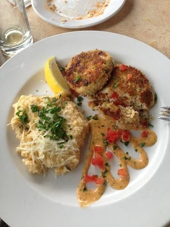 Harry's Seafood Bar & Grille: Crabcakes. What they are known for