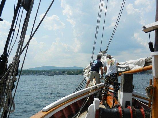 Schooner Appledore II Windjammer Cruise: Crew hard at work