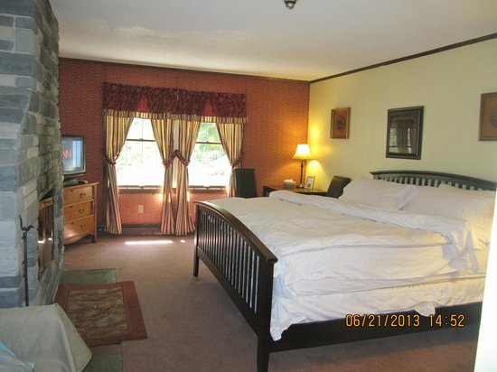 Stone's Lodge under Stratton Mtn.: The Opal Room