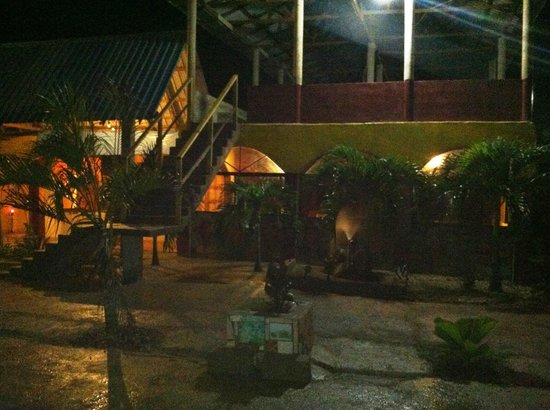 Super Palm Resort: Fun night! fine food and entertain
