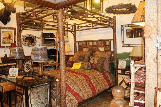 Sherwood Forest Motor Inn: Une boutique ou tout est en bois a Lake Placid