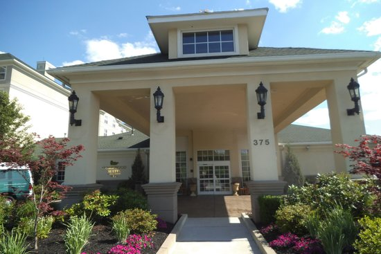 Homewood Suites Holyoke-Springfield/North: Front Entrance