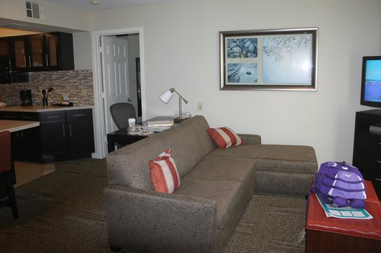 Staybridge Suites San Francisco Airport: Sitting Area