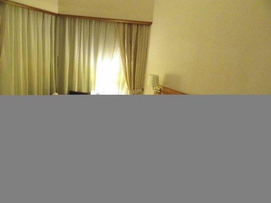 Island Pacific Hotel: ok size room