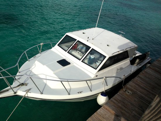 Carib Sands Beach Resort: Our dive boat - Lucky Star