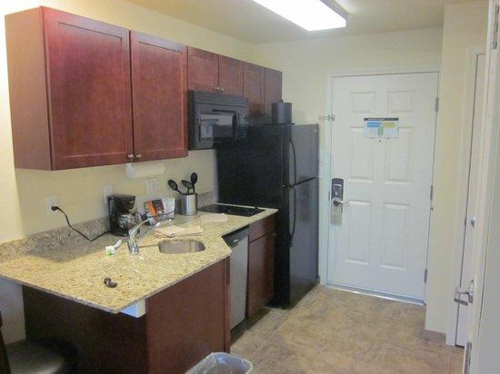 Noble Inn: Kitchen in room