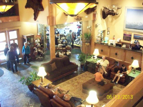 Pike's Waterfront Lodge: Lobby Gift shop