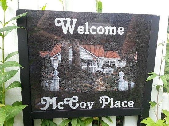 McCoy Place Bed & Breakfast: Welcome to McCoy Place