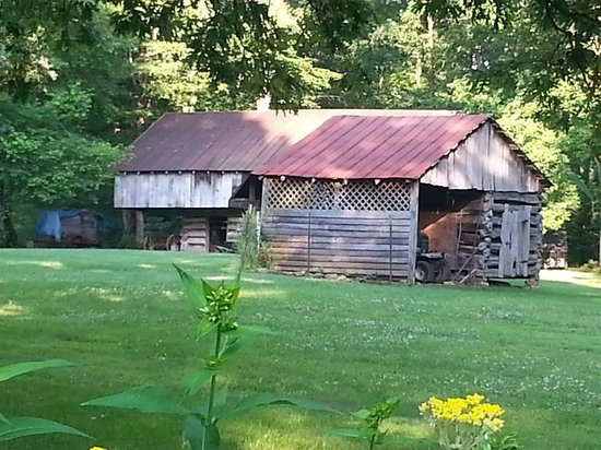 McCoy Place Bed & Breakfast: The cantilevered barn out back