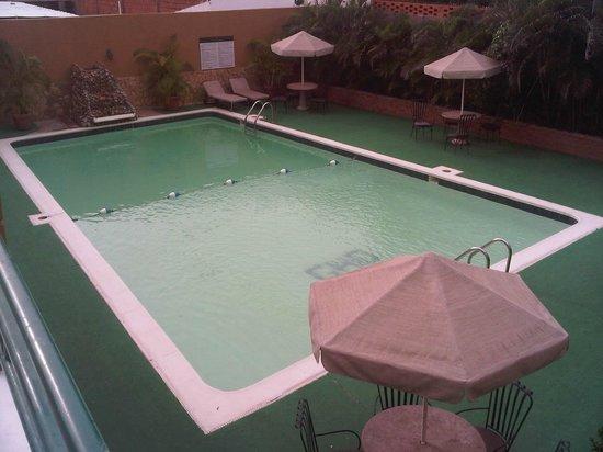 Gran Hotel Delicias: piscina