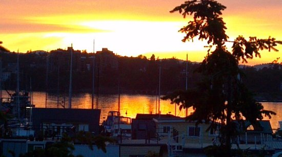 WorldMark Victoria: sunset over Victoria