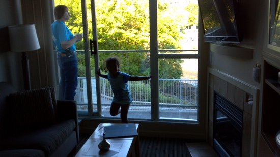 WorldMark Victoria: breakfast on the balcony