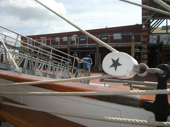 1877 Tall Ship ELISSA: Special touches