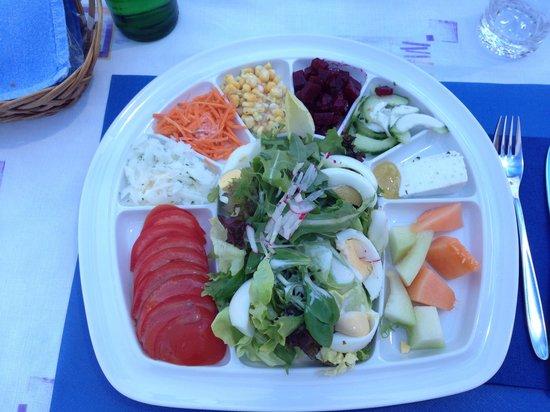 Seehotel Bönigen: Salade au restaurant