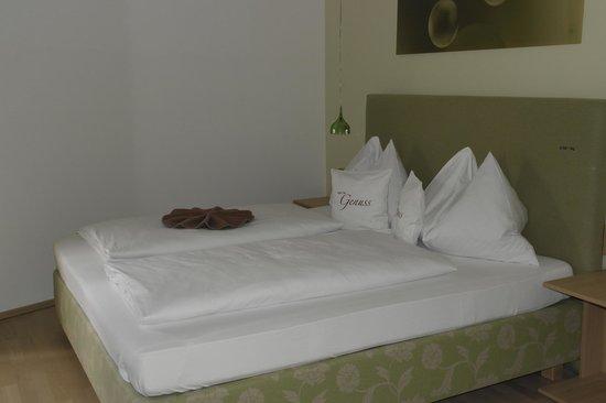 Arx Hotel: Bett