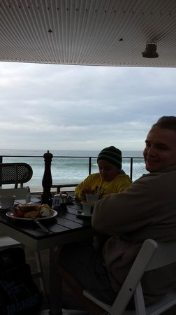 ULTIQA Shearwater Resort: Breakfast on the boardwalk