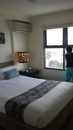 ULTIQA Shearwater Resort: master bedroom (rm 27-2)