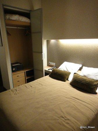 Aparthotel Silver: wardrobe