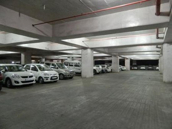 Hotel MC International & ZO Rooms : very clean parking...