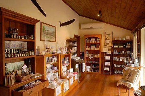 Wandin North, Αυστραλία: Lavender Cottage Tea Room gift shop