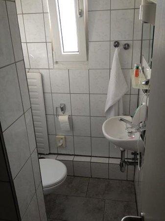 Hotel Rosengarten: Badezimmer