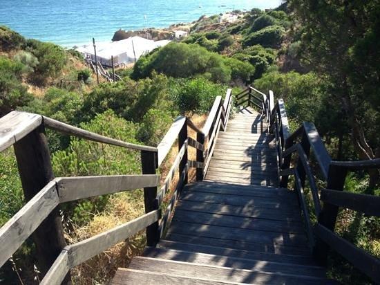 Aqua Pedra dos Bicos Design Beach Hotel: steps to lovely beach and cafe 5 min walk fom hotel