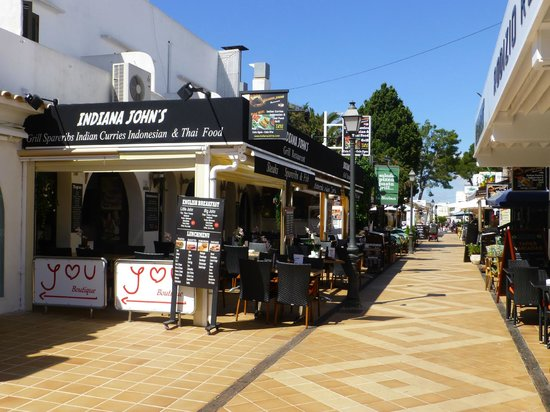 Indiana Johns Cala Dor: New Front Restaurant 2 sides of street opposite eachother