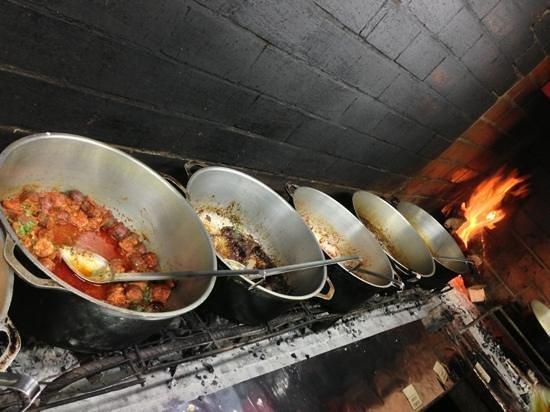 La Bonne Marmite : rougail Saucisse , civet Lapin, beef carry...