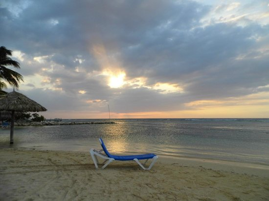 Uton's Private Tours: Sunset in Jamaica