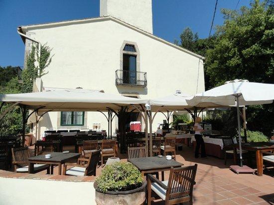 Hotel El Convent: Terrasse pour le petit déjeuner et déjeuner