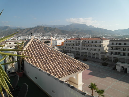On the roof of hotel Mena Plaza