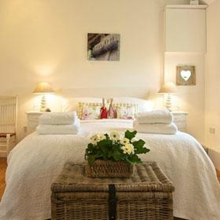White Horse Farm: lovely comfy bed