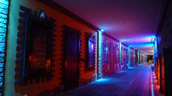 Beach Club Doganay: Tunnel fra hotel til strand