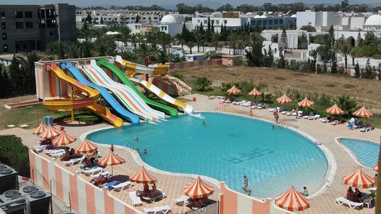 Hotel Safa : бассейн с водными горками