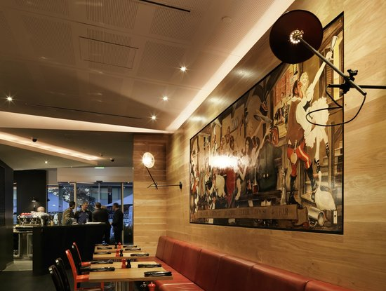 Adelphi Grill: Rigby mural