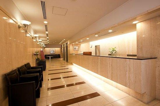 Nagoya Garland Hotel : 1F フロント