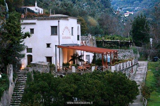 Scala, Italia: immerso nela valle del dragone a 300 mt sul livello del mare nasce l'Agriturismo Acquabona