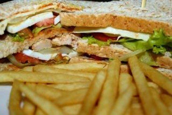 Swish Bar & Restaurant: Club Sandwich