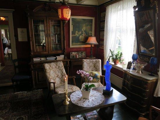 Walaker Hotell: Sällskapsrum i gamla delen.