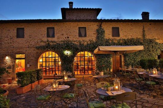 Poggibonsi, Italien: La piazzetta dell'Osteria 1126