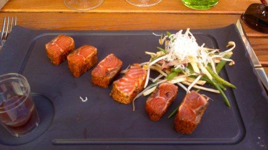 L'assiette des Saveurs : Tataki salmon starter (on our second visit in June)