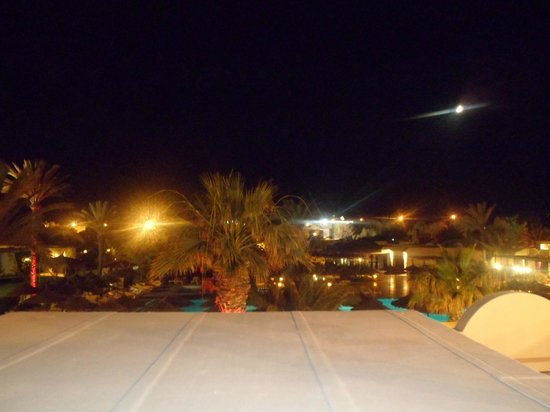 TUI MAGIC LIFE Penelope Beach: view in the evening from a roof top