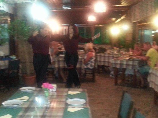 Alkion Tavern : Cypriot dancing