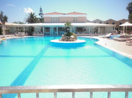 Zafiris Hotel: The gorgeous pool x