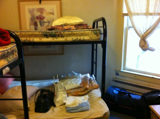 Union Square Backpacker's Hostel: dorm bunks