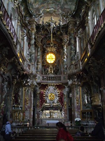 Церковь св. Иоанна Непомука (Азамкирхе): Pulpit area