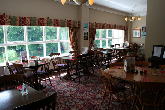 The Red Kite Pub: Restaurant with views over the Country Park, keep a look out for Red Kites!!
